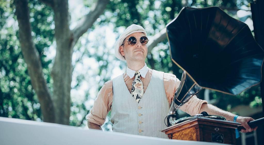 Phonograph DJ               MAC spins Roaring 20s shellac